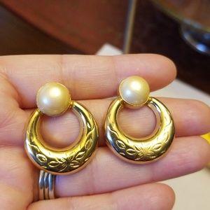 Jewelry - Vintage Faux Pearl Earrings